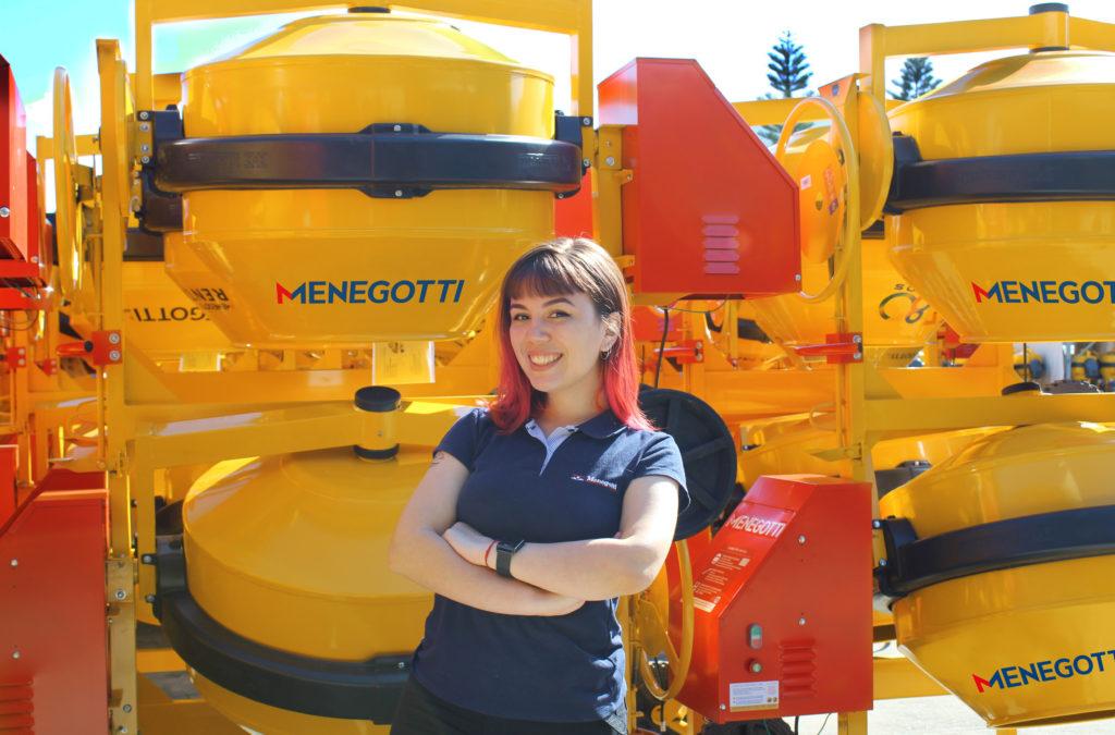Danielle Vieira Silva trabalha há 3 anos no Grupo Menegotti e iniciou como Jovem Aprendiz no setor de DHO.